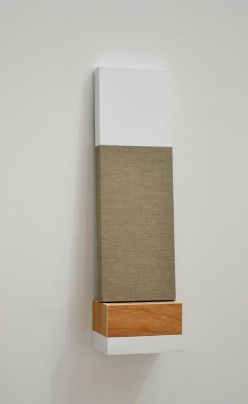 sans titre,72x20x12 cm, acrylique sur toile et bois enduit, 2011