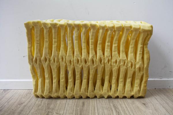 Jérémy Lacombe - Côtelettes chauffantes - 2017 - mousse jaune - 68 X 49 X 28 cm