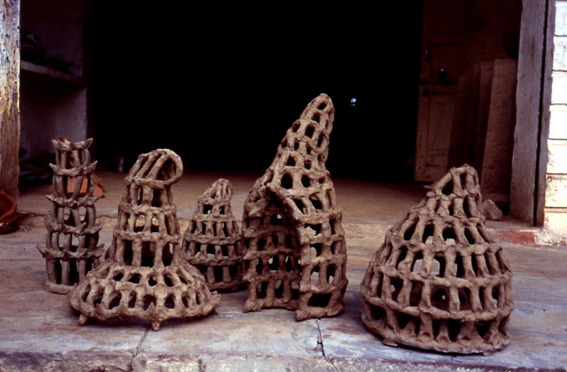 Vincent Barre - Rain traps - terracotta, Molella - 2001